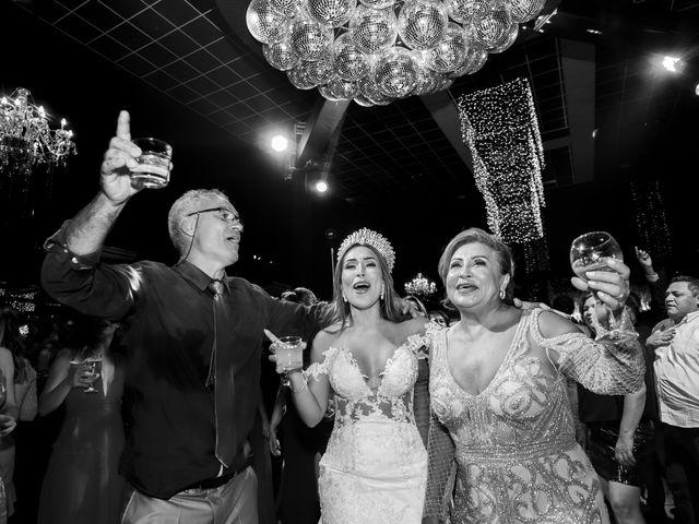 O casamento de Yuri e Caroline em Cáceres, Mato Grosso 33
