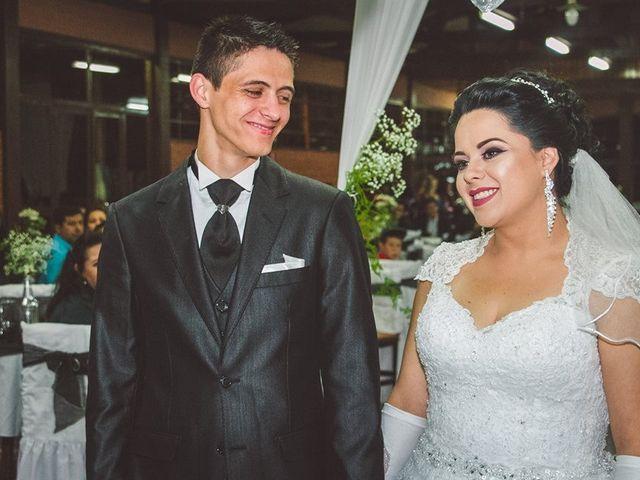 O casamento de Alessandro e Karina em Piraquara, Paraná 4