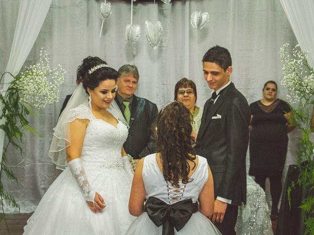 O casamento de Alessandro e Karina em Piraquara, Paraná 7