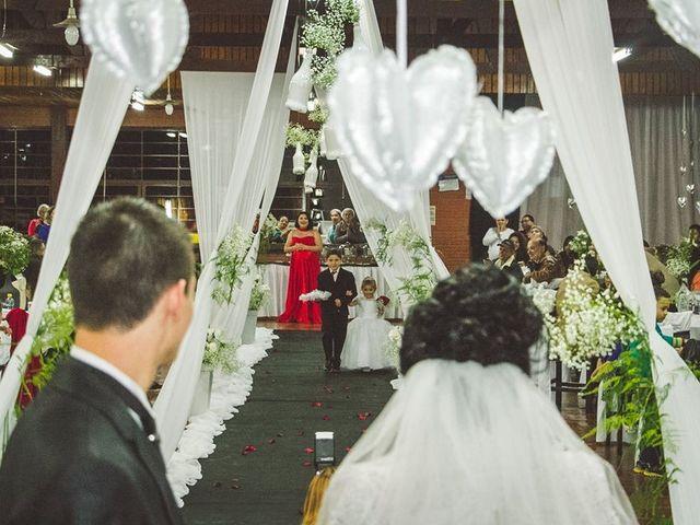 O casamento de Alessandro e Karina em Piraquara, Paraná 8