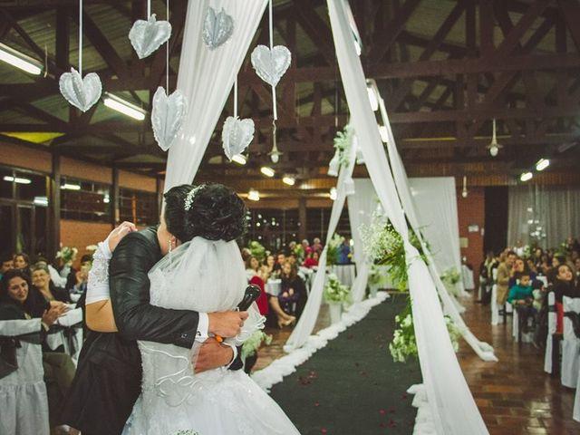 O casamento de Alessandro e Karina em Piraquara, Paraná 10