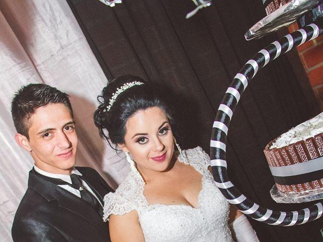 O casamento de Alessandro e Karina em Piraquara, Paraná 11