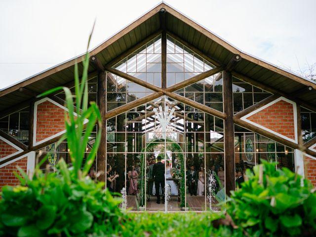 O casamento de Marcos e Isabelle em Curitiba, Paraná 40