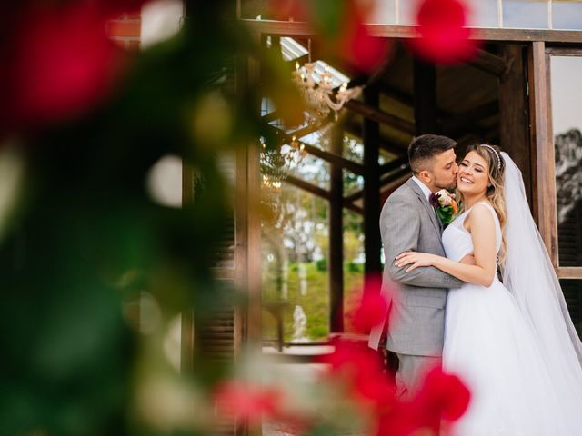 O casamento de Marcos e Isabelle em Curitiba, Paraná 52