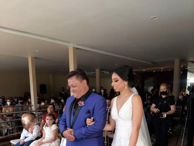 O casamento de Guilherme De Oliveira Resende  e Ana Carolina Xavier dos Santos  em Belo Horizonte, Minas Gerais 3