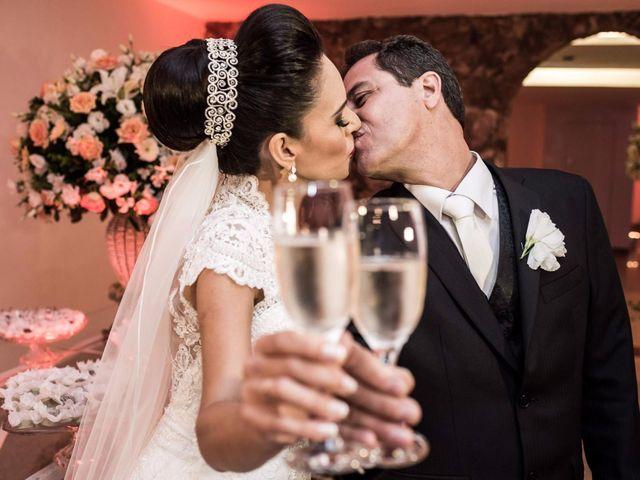 O casamento de Solange e Amim