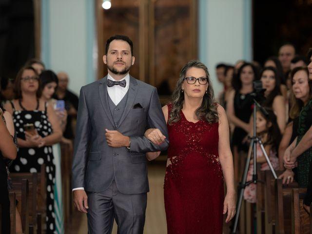 O casamento de Lucas e Fernanda em Alfenas, Minas Gerais 18