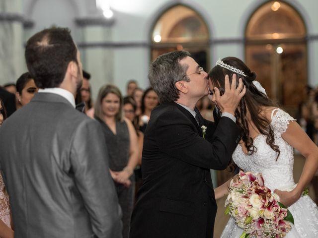 O casamento de Lucas e Fernanda em Alfenas, Minas Gerais 20