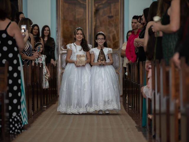 O casamento de Lucas e Fernanda em Alfenas, Minas Gerais 29