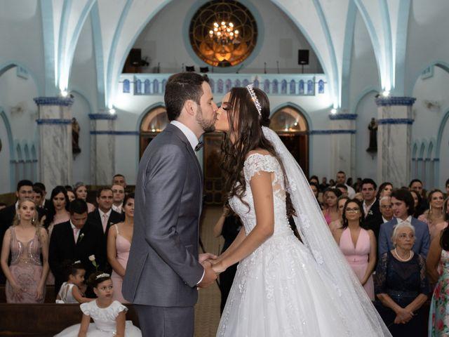 O casamento de Lucas e Fernanda em Alfenas, Minas Gerais 32