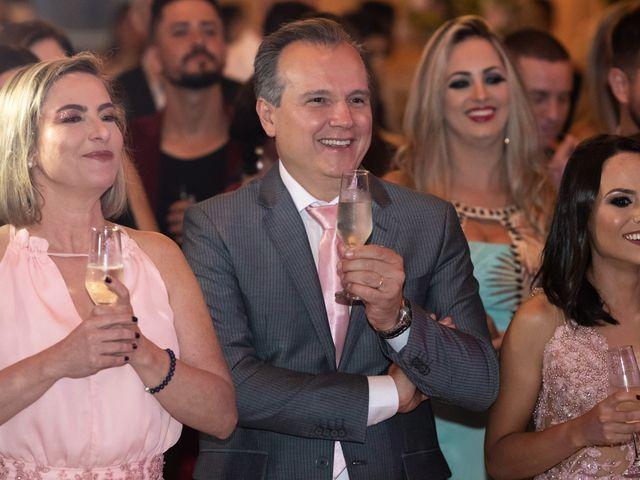O casamento de Lucas e Fernanda em Alfenas, Minas Gerais 40