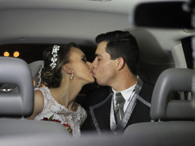 O casamento de Amarildo e Ana Carolina em Barbacena, Minas Gerais 15