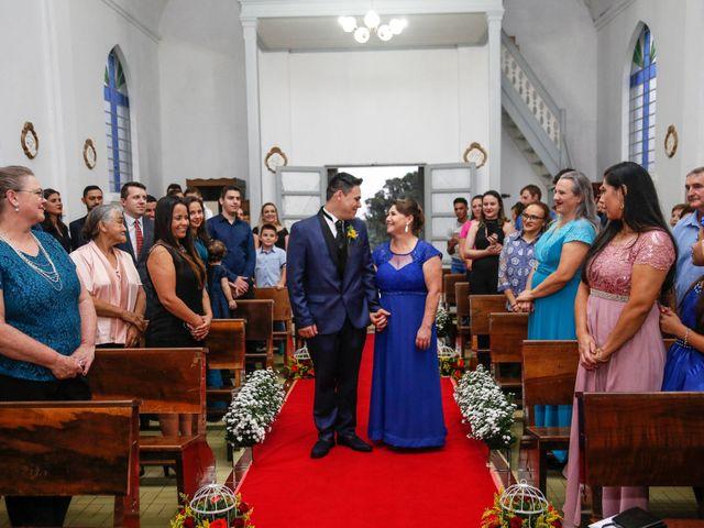 O casamento de Alessandro e Jucemara em São José dos Pinhais, Paraná 13