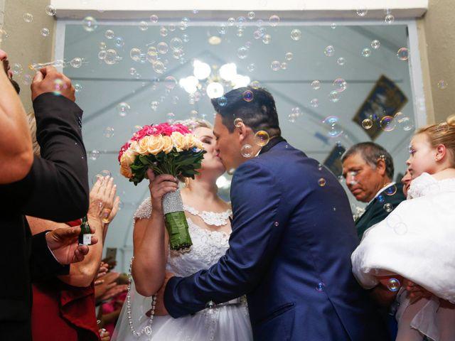 O casamento de Alessandro e Jucemara em São José dos Pinhais, Paraná 20