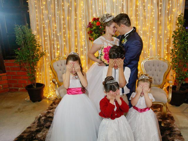 O casamento de Alessandro e Jucemara em São José dos Pinhais, Paraná 31