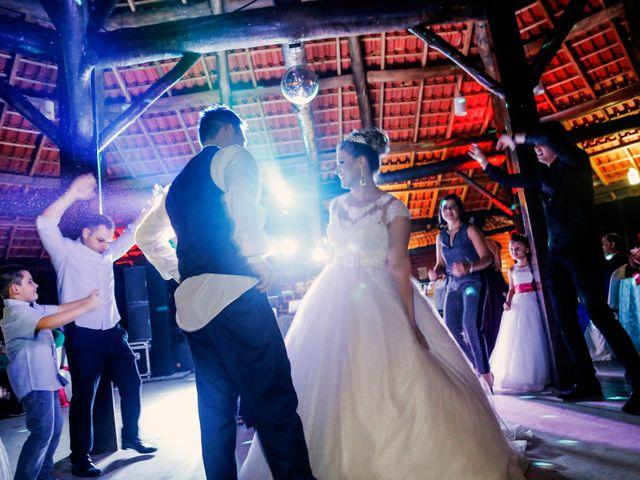 O casamento de Alessandro e Jucemara em São José dos Pinhais, Paraná 42
