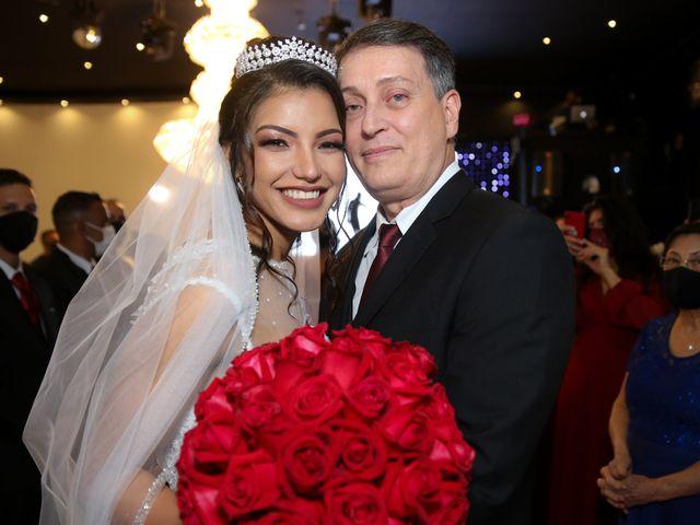 O casamento de Marcos e Catiane em Guarulhos, São Paulo 112