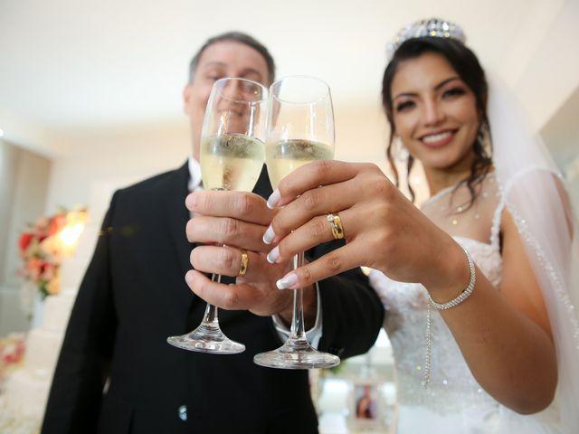 O casamento de Marcos e Catiane em Guarulhos, São Paulo 127