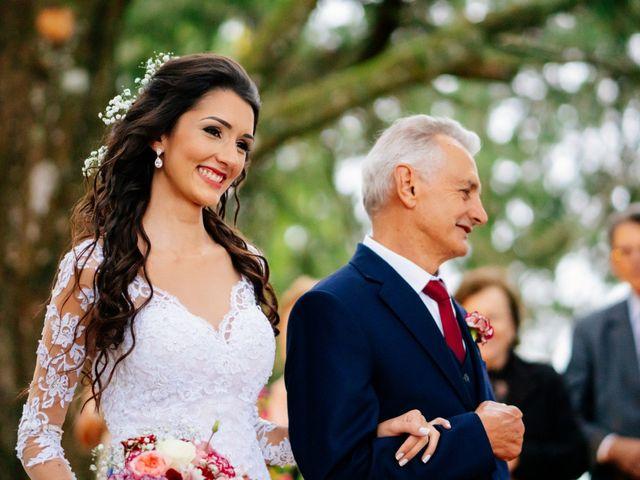 O casamento de Fábio e Giovana em Curitiba, Paraná 39