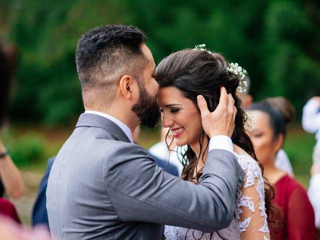 O casamento de Fábio e Giovana em Curitiba, Paraná 40