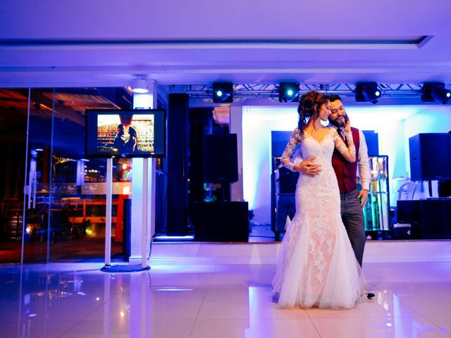 O casamento de Fábio e Giovana em Curitiba, Paraná 76
