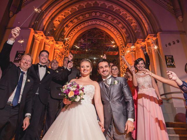 O casamento de Thiago e Gabriela em Porto Alegre, Rio Grande do Sul 7