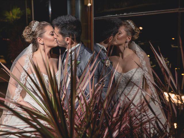 O casamento de Thiago e Gabriela em Porto Alegre, Rio Grande do Sul 10