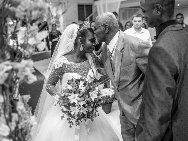 O casamento de Julio e Jennifer em Duque de Caxias, Rio de Janeiro 24