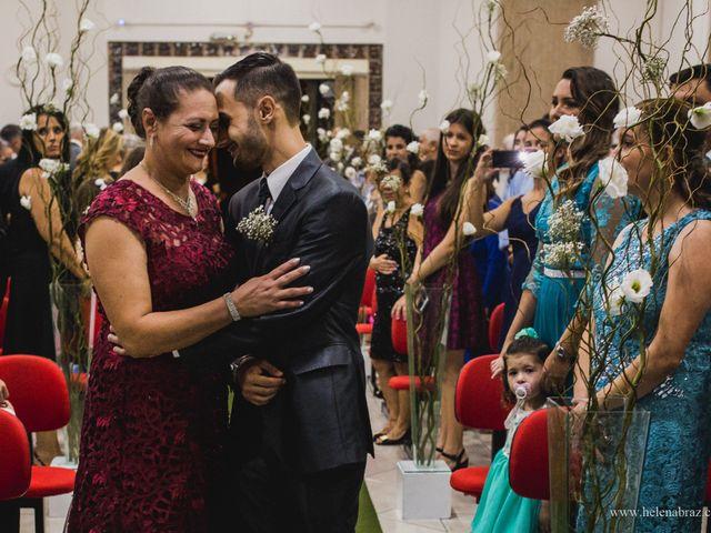 O casamento de Lucas e Priscielle em Tramandaí, Rio Grande do Sul 24
