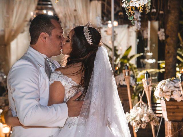 O casamento de Caroline e Adriano