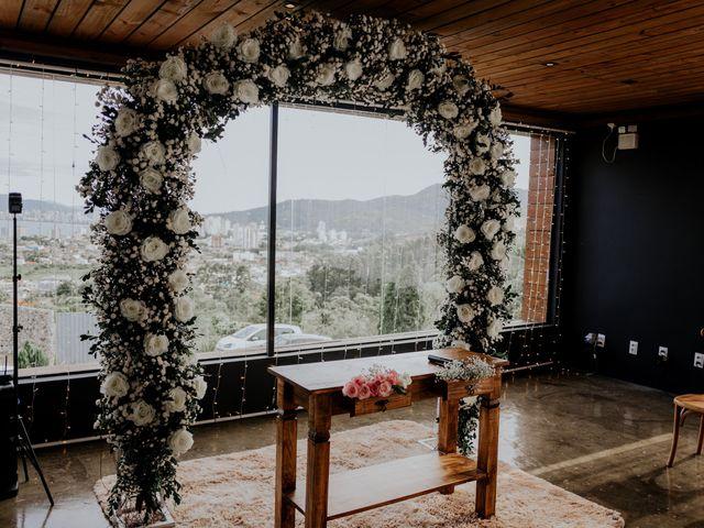 O casamento de Maira e Paulo em Itapema, Santa Catarina 10