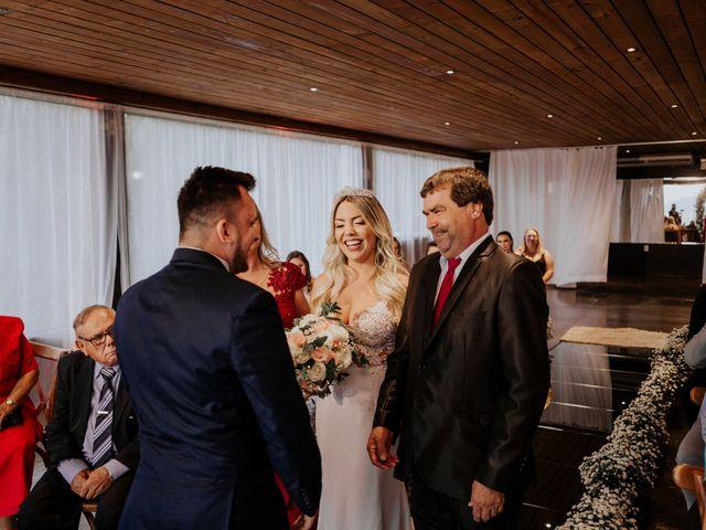O casamento de Maira e Paulo em Itapema, Santa Catarina 16