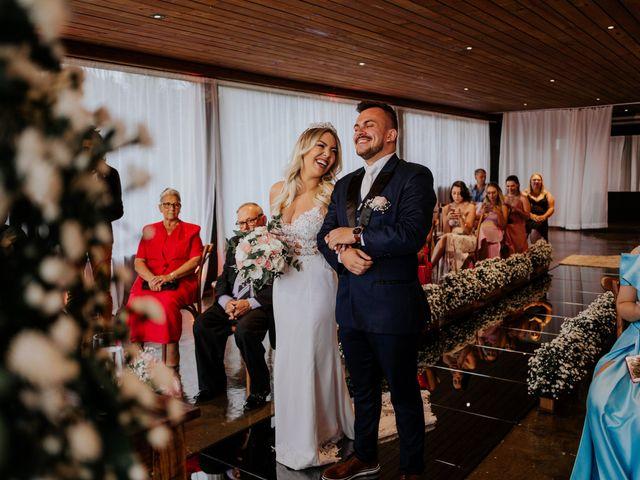 O casamento de Maira e Paulo em Itapema, Santa Catarina 18