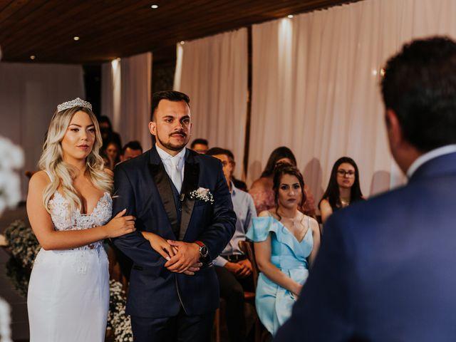 O casamento de Maira e Paulo em Itapema, Santa Catarina 20