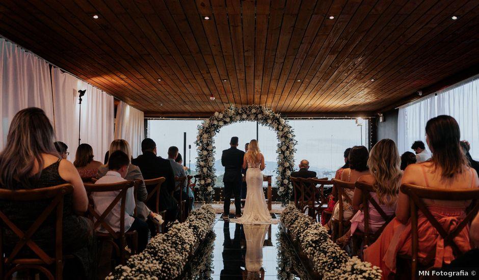 O casamento de Maira e Paulo em Itapema, Santa Catarina