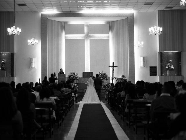 O casamento de Denis e Sarah em Belo Horizonte, Minas Gerais 30