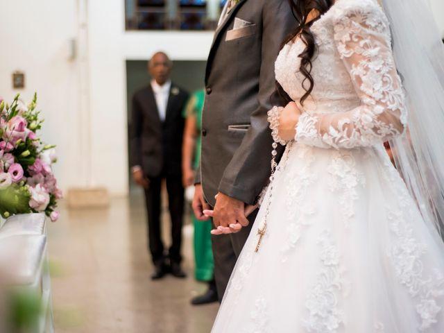 O casamento de Denis e Sarah em Belo Horizonte, Minas Gerais 31