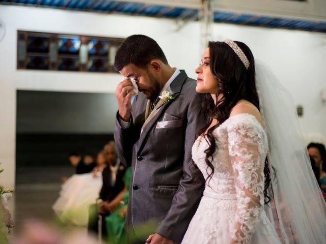 O casamento de Denis e Sarah em Belo Horizonte, Minas Gerais 32