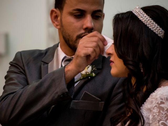 O casamento de Denis e Sarah em Belo Horizonte, Minas Gerais 33