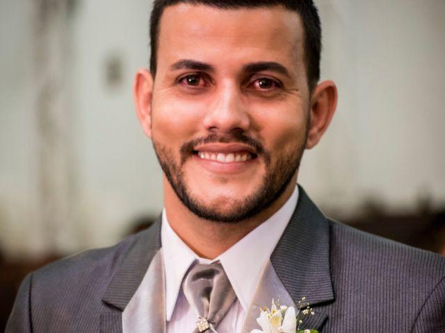 O casamento de Denis e Sarah em Belo Horizonte, Minas Gerais 35
