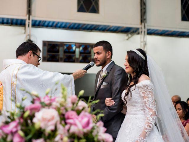 O casamento de Denis e Sarah em Belo Horizonte, Minas Gerais 37
