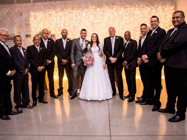 O casamento de Denis e Sarah em Belo Horizonte, Minas Gerais 43
