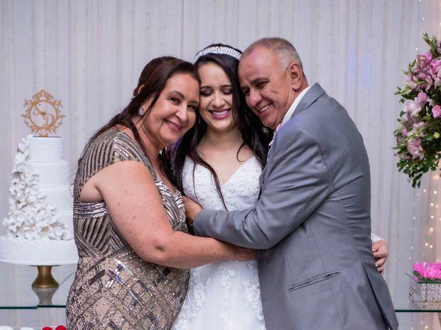O casamento de Denis e Sarah em Belo Horizonte, Minas Gerais 46
