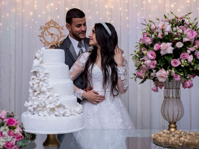 O casamento de Denis e Sarah em Belo Horizonte, Minas Gerais 48