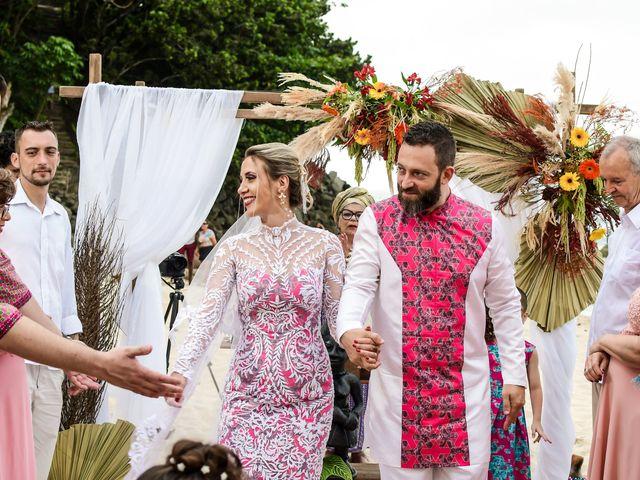 O casamento de Jader e Carol em Ubatuba, São Paulo 33