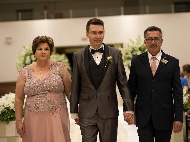 O casamento de Fernando  e Júlia em Joinville, Santa Catarina 18