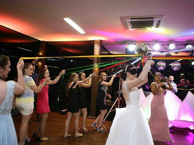 O casamento de Fernando  e Júlia em Joinville, Santa Catarina 33