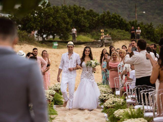 O casamento de Felipe e Milena em Balneário Camboriú, Santa Catarina 33