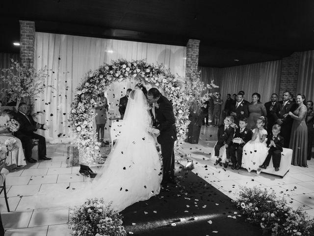 O casamento de Rafael e Rosineia em Sapezal, Mato Grosso 10