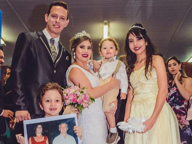 O casamento de Fernando e Márcia em Contagem, Minas Gerais 26